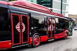 Еще 130 автобусов в Баку перешли на безналичную оплату