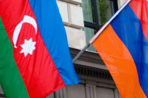 Армения разрушает себя изнутри, Азербайджан ждет