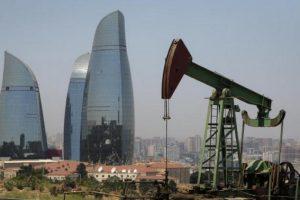 Эксперт: Азербайджан скорее всего примет поправки в госбюджет и увеличит цену на нефть