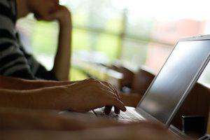Электронные деньги мешают Азербайджану собирать налоги