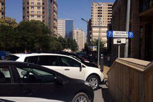 Оплачивать парковку в Баку станет проще