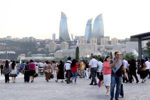 Численность населения Баку выросла больше чем на 12,000 человек