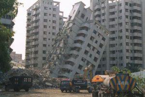 Какие строения в Баку не выдержат землетрясений?