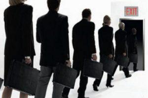 Число уволенных банковских служащих в Азербайджане достигнет 10 тысяч