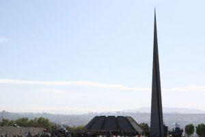 Армения: вандализм в «священном» месте