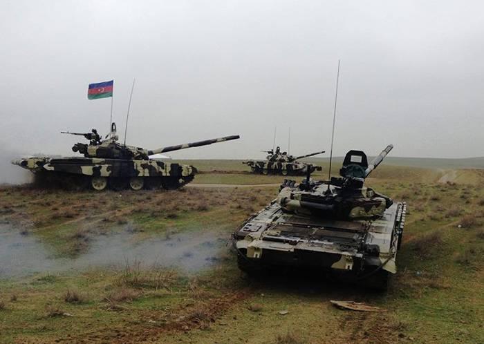 azer-army-military-armiya-azerbaijan-tank