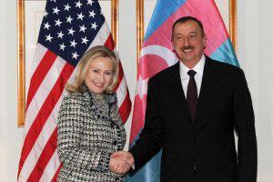 С точки зрения карабахского конфликта, Азербайджану выгодна Клинтон