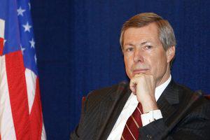 Эксперт: Азербайджану выгодна отставка Джеймса Уорлика