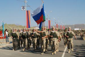 Москва и Ереван объединяют армии. Против кого?
