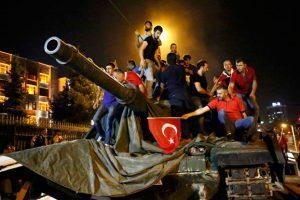 Турция продолжает расследование несостоявшегося переворота