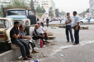 В Азербайджане растет число неквалифицированных рабочих