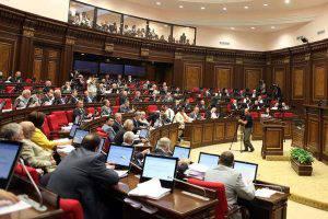 Шоу со стрельбой в парламенте Армении