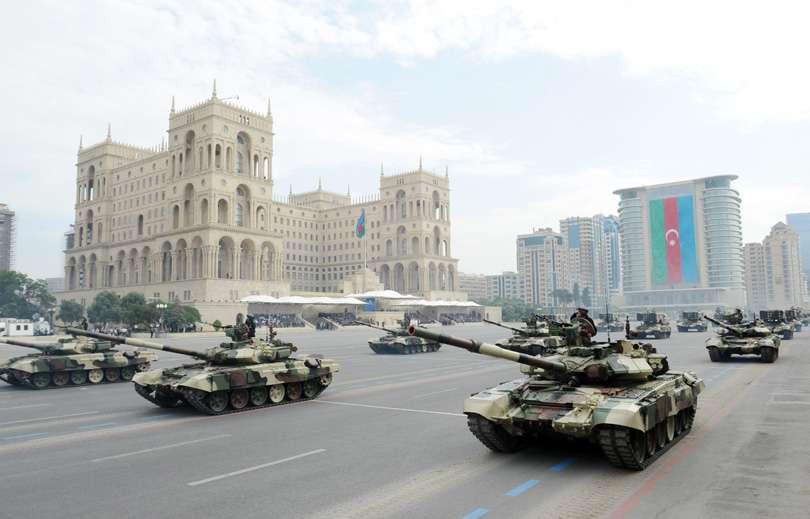 azerbaijan-orujie-war-army-military-tanks