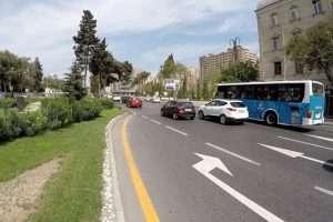 В Азербайджане предложили запретить строить жилые дома у автодорог