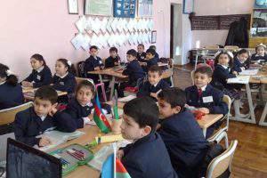 Школьников в Азербайджане необходимо разгрузить