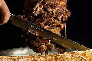 80% донерных Баку используют мясо непонятного происхождения