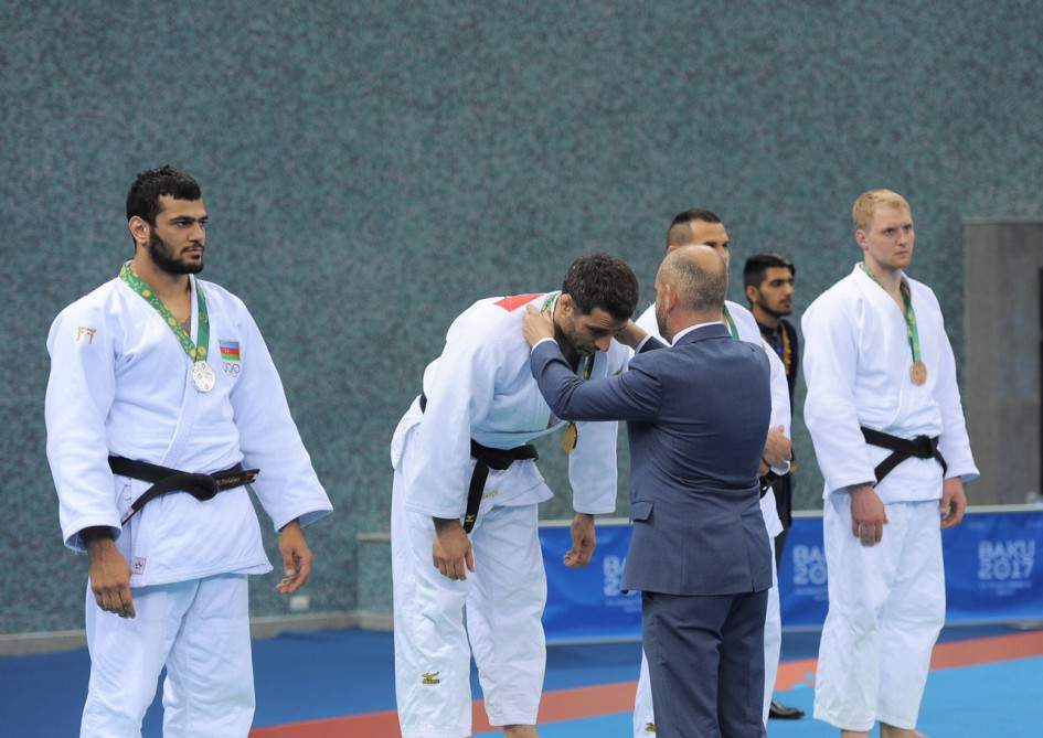 az-islamic-games-2017-medal