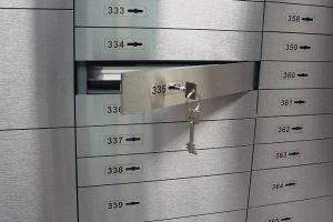 Банковские ячейки в Азербайджане пустуют