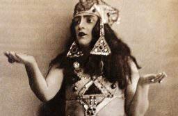 «Катя-шарманщица» — Кармен бакинской сцены Фатьма Мухтарова