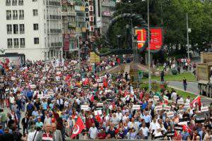 Турецкая оппозиция демонстрирует силу