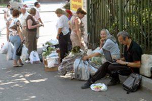 В Азербайджане около 100,000 человек занимаются незаконной торговлей