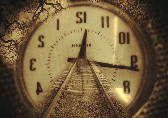 myth-clock-chasi