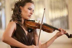 В Баку выступит известная российская скрипачка