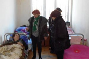 В Азербайджане смертельно больных заключенных отпускают домой