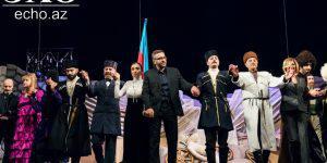 «Али и Нино» - с киноэкрана на сцену Русского драмтеатра в Баку (ФОТО)