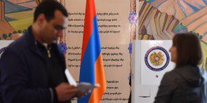 """""""Горячий"""" политический сезон в Армении продолжается"""