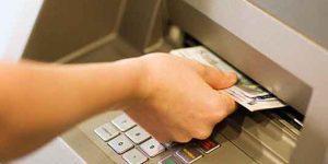 В Азербайджане проблемы с обналичиванием денег с банковских карт