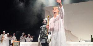 Фахраддин Манафов открыл сезон в Русском драмтеатре