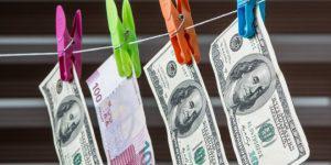 """""""Все успокаивают себя тем, что курс маната по отношению к доллару стабилизировался..."""""""