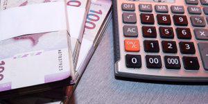 Эксперт: Азербайджану надо устранять последствия кризиса, а не пересматривать бюджет