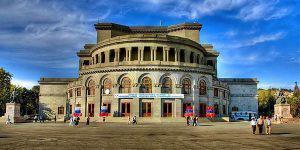 Очередной скандал в Армении... из-за оперного театра