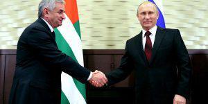 Удастся ли Путину нормализовать ситуацию в оккупированной Абхазии?