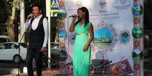 Узбекские артисты поют песни о Карабахе