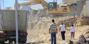 Переселение жителей из аварийных домов Баку требует 1 млрд. манатов