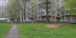 В Баку пытаются остановить строительство жилых домов на месте зеленых дворов
